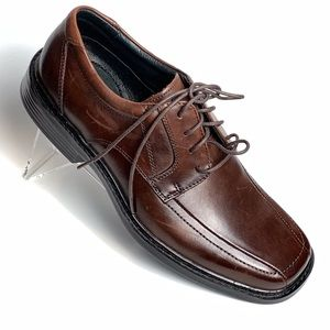 🌹 Clarks Bostonian Bicycle Toe Oxfords